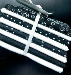 FQ Packung Black and White