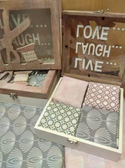 Holzschatulle mit Nähmotiven - gefüllt oder ungefüllt